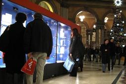 Natale 2013, previsti consumi ai minimi storici: solo 132 euro a famiglia