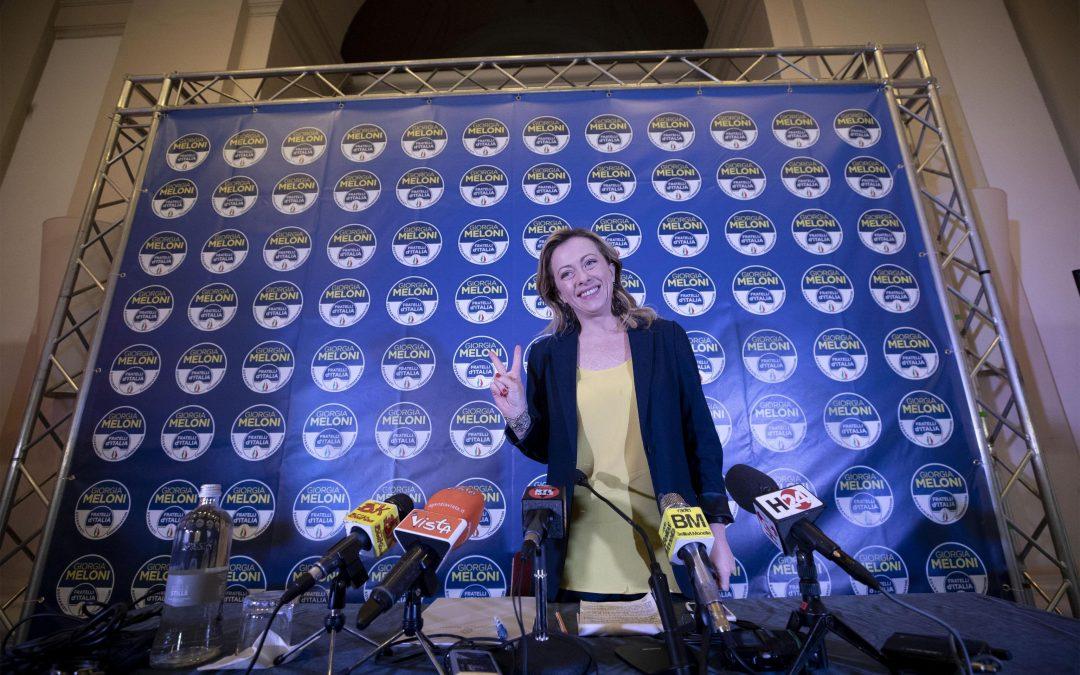 Centrodestra, Berlusconi e Meloni esultano: «Salvini torni con noi»