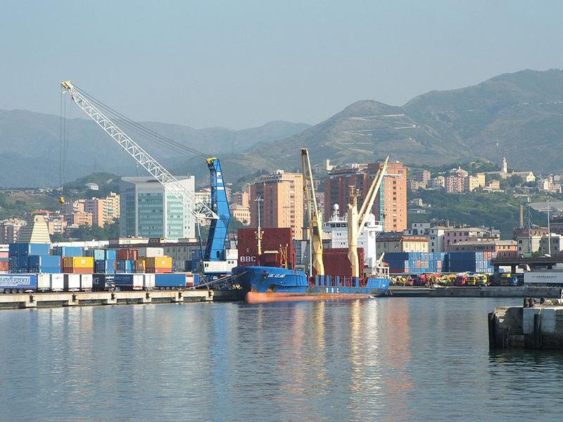 Prezzo dei noli alle stelle: viaggia per nave il rischio di inflazione