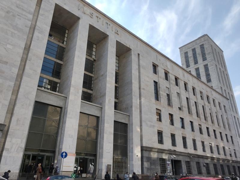 Milano: massacrò il figlio di due anni, 26enne rischia l'ergastolo