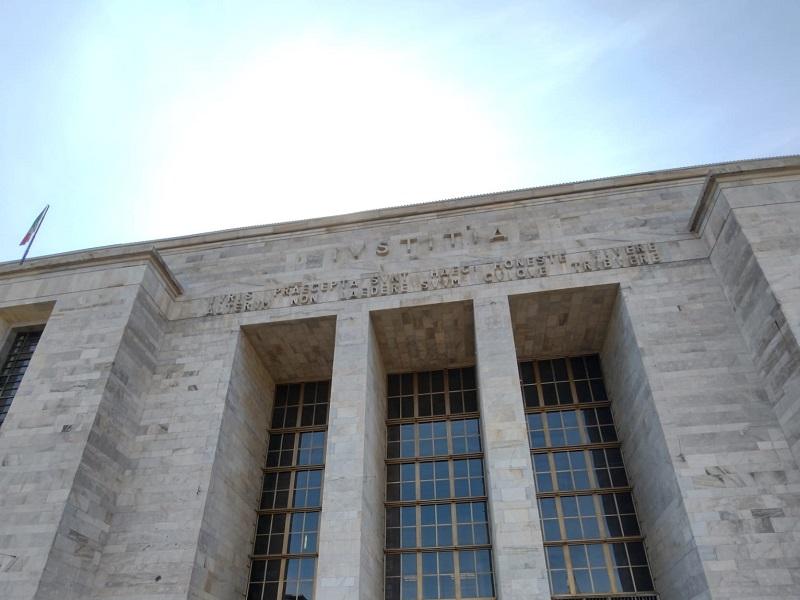 Milano: a processo per la morte del figlio di due anni, pm chiede l'ergastolo