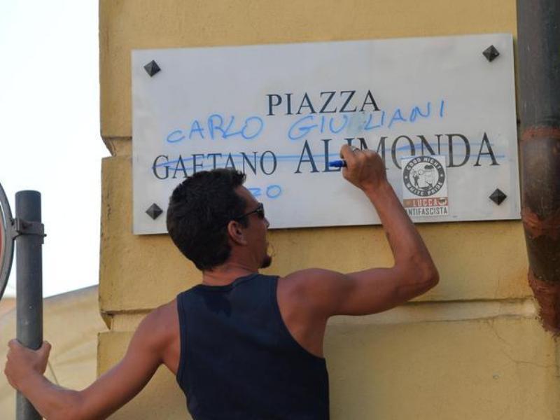 """Genova, 20 luglio 2001: venti anni fa la morte di Carlo Giuliani, """"ragazzo"""""""