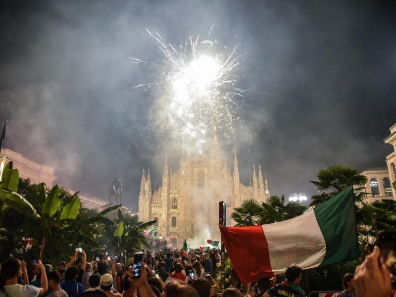 Festeggiamenti a Milano: 15 feriti in piazza Duomo, tre sono gravi