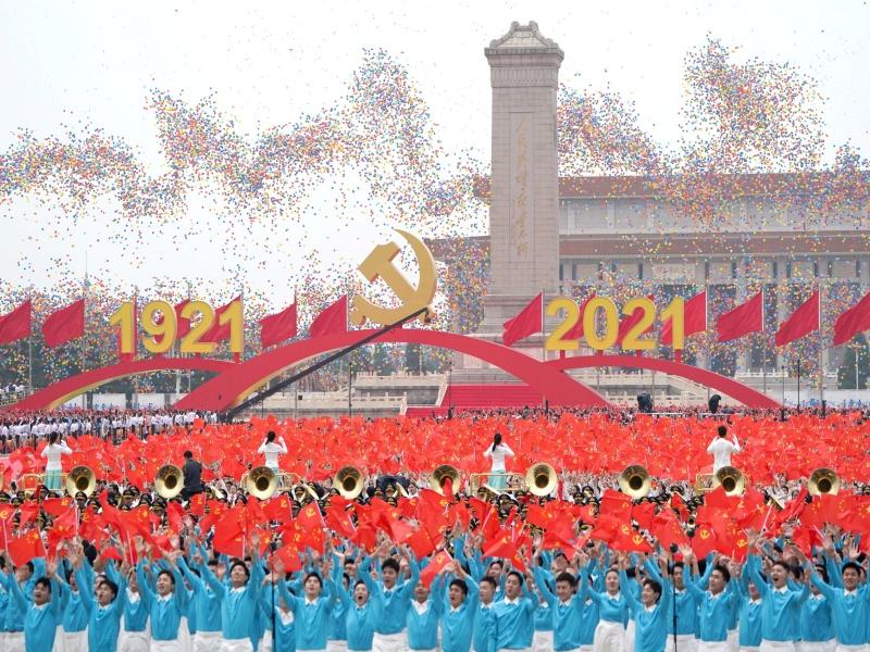 Cina, 100 anni del Partito comunista. Xi Jinping: «Nessuna forza straniera potrà bullizzarci»