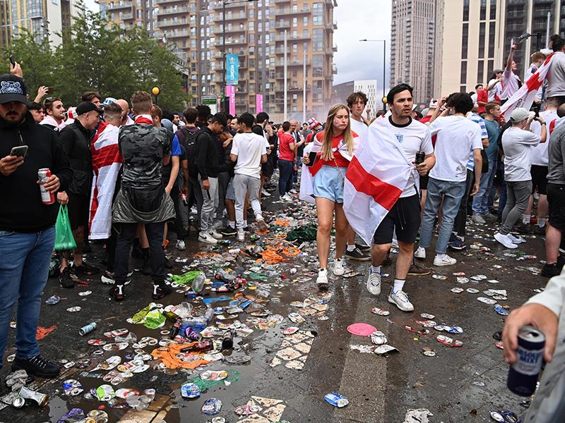 Euro 2020, scontri e razzismo: in Uk si torna a parlare di hooligans